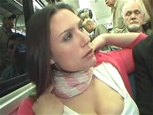 Amateur Woman Get Masturbated In A Bus Porn