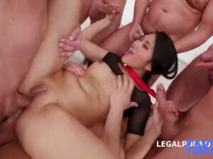 Chinese Girlfriend GangTriple Penetration (Mindy Ma Fakes) Porn
