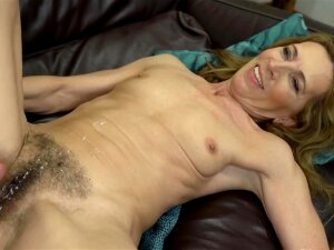 Beautiful Granny Has Fantastic Sex With Athletic Beau On Sofa Porn