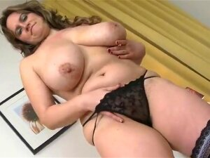 FAT ASS BUSTY MOM WITH HUNGRY CUNT Porn