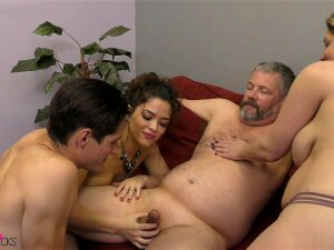 Victoria Voxxx Is The Real Master Of Bisexual Activity With Her Horny Friends Porn