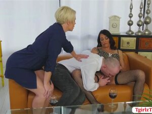TGirl Kristen Kraves Visits A Couples House Cause She Gets Invited To Have Some Fun With Them. After A Few Minutes, Dude Sucks Kristens Shecock. Not Long Enough Kristen Then Gets Her Butthole Fucks Hard By Dudes Bigcock Until They Both Reach Their Limits. Porn