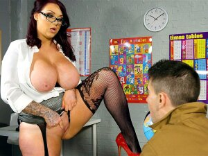 Busty Teacher Harmony Reigns Gets Pussy Licked On The Desk Porn