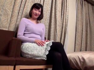 Mature, Japanese Woman With Not So Big Boobs Is Cheating On Her Husband And Enjoying It Porn