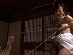 Kinky Asian Girl Is Turned On By Sexy Rope Bondage Porn