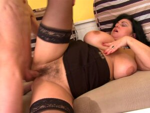 Busty Mature Rides Young Man's Dick Like A Porn Pro Porn