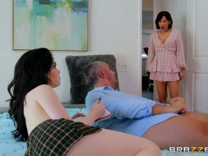 Teen Evelyn Claire Gets Caught By Her Mom With Old Man Keiran Lee Porn