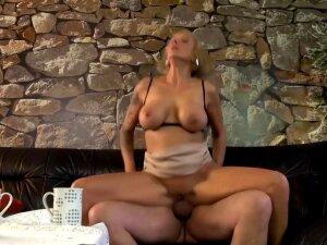 Leni Fickt Den Traurigen Bekannten Richtig Hard Anal Porn