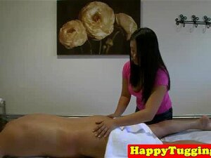 Real Asian Masseuse Tugs For Extra Tip Before Client Cums Porn