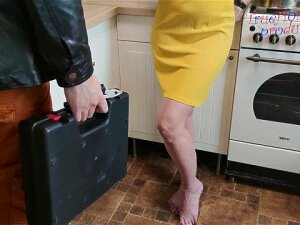 Slutty Housewife Seduced Plumber And Squirted (English Subtitles) 60FPS Porn