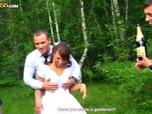 Свадьба переросла в отличную групповуху Porn