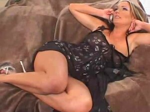 Mature Gets Violated By Younger Couple,in Revenge For Her Arrogant Behavior Porn