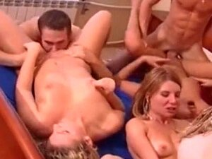 Velvet Swingers Club Giagantic Orgy With Amateur Couples Porn