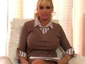 Big Tittied Milf Spread Her Legs Big Black Dildo Porn