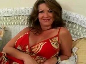 Gorgeous Cougar Gets Stuffed With Big Dick Porn