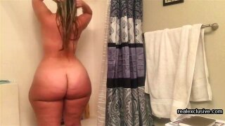 my Booty Wife Christine takes a shower