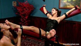 Czech Sexy Feet - Kari's worship on Devil (2010) Kari