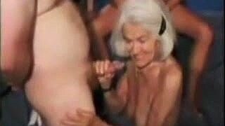 Granny Molly - 90yo gentle gangbang casting