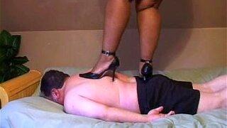 Free Big Feet Trample Porn Galery
