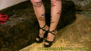 Ida is charmed by batterfly pantyhose