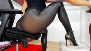 Watch chaturbate show on  now! - Natillie Forrest, Chaturbate, Pantyhose, Chaturbate Squirt, Brunette, Cam, Solo, Leggings, Chaturbate Show Porn