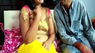 Young Yellow Saree Aunty -- Hot Romace -- Latest Romantic Short Movie 2016